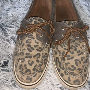Cheetah Sperry's in Great Condition!